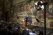 Prima conferenza stampa del Primo Ministro Matteo Renzi dopo gli attentati del 13 novembre nella capitale francese. Campidoglio, Roma 24 novembre 2015. Christian Mantuano / OneShot<br /> <br /> First press conference of Prime Minister Matteo Renzi after the attacks of 13 November in Paris. Campidoglio, Rome 24 November 2015. Christian Mantuano / OneShot