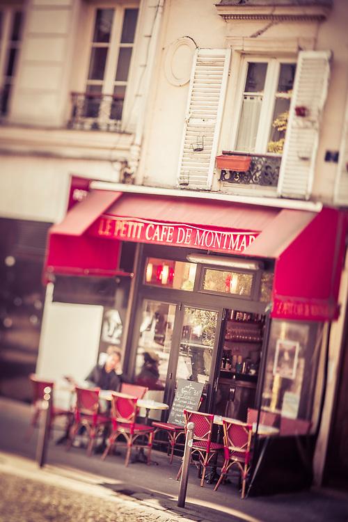 Le Petit Cafe de Montmartre, Paris