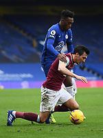 Football - 2020 / 2021 Premier League - Chelsea vs Burnley - Stamford Bridge<br /> <br /> Burnley's Jack Cork shields the ball from Chelsea's Callum Hudson-Odoi.<br /> <br /> COLORSPORT/ASHLEY WESTERN