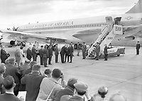 95147<br /> American President John Fitzgerald Kennedy (JFK)'s visit to Ireland, JFK, having disembarked his plane, is seen shaking hands with (most probably) President of Ireland Éamon de Valera on the runway, 26/06/1963 Box 5 (Part of the Independent Newspapers Ireland/NLI Collection).