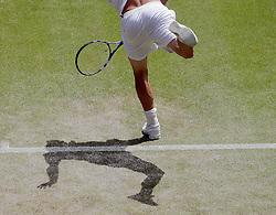 23.06.2010, Wimbledon, GBR, ATP World Tour, Grand Slam, Wimbledon, Men's singles, Michael Llodra (FRA) vs Andy Roddick (USA), im Bild Andy Roddick (USA) in action. EXPA Pictures © 2010, PhotoCredit: EXPA/ IPS/ Marc Atkins / SPORTIDA PHOTO AGENCY
