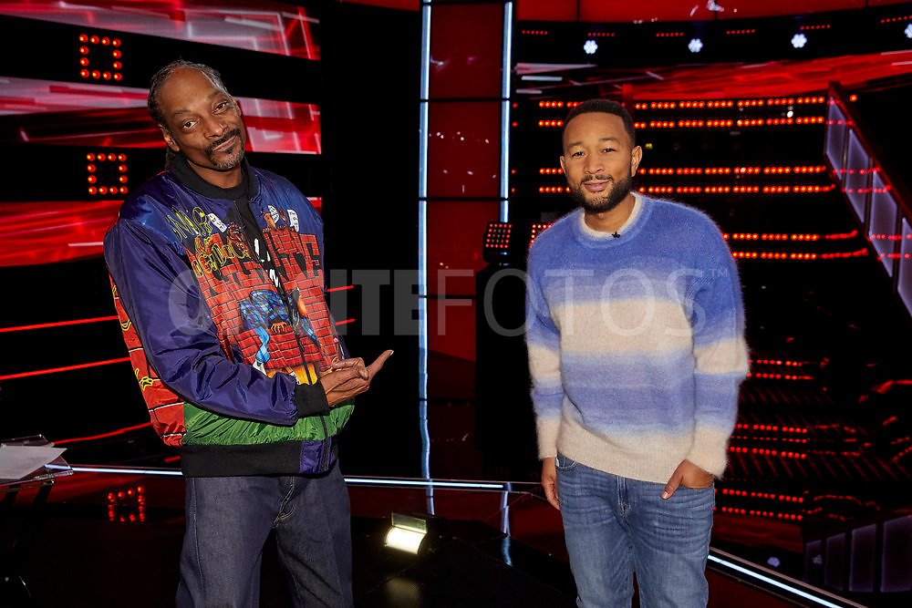 """THE VOICE -- """"Knockout Reality"""" Episode 2010 --  Pictured: (l-r) Snoop Dogg, John Legend -- (Photo by: Trae Patton/NBC)"""
