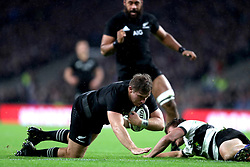 New Zealand's Nathan Harris on his way to scoring a try during the Autumn International match at Twickenham, London.