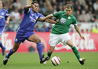 v.l. Dario Rodriguez, Andres D'Alessandro VfL<br /> Bundesliga VfL Wolfsburg - FC Schalke 04
