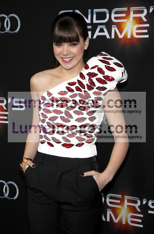 """Hailee Steinfeld at the Los Angeles premiere of """"Ender's Game"""" held at the TCL Chinese Theatre in Hollywood, USA on October 28, 2013."""