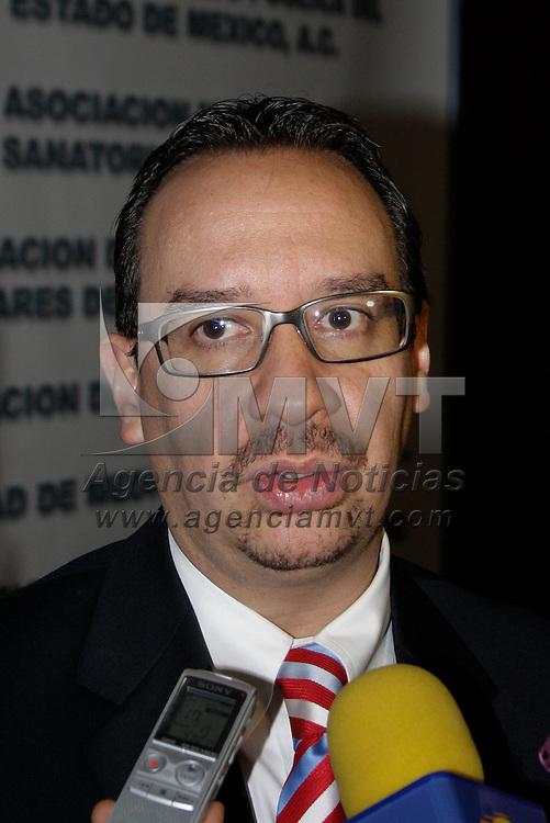 Toluca, México.- Miguel Betancurt Cravioto durante el IX Congreso de la Academia Mexiquense de Medicina. Agencia MVT / Arturo Hernández S.