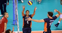 07-06-2014 NED: WLV Nederland - Portugal, Almere<br /> Een moeizame overwinning op Portugal levert Nederland twee punten op / Nimir Abdelaziz, Thomas Koelewijn