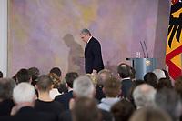 22 FEB 2013, BERLIN/GERMANY:<br /> Joachim Gauck, Bundespraesident, verlaesst das Podium nach seiner Rede zu Europa, Schloss Bellevue<br /> IMAGE: 20130222-02-028<br /> KEYWORDS: Europarede, speech, Europe, Bellevue Forum