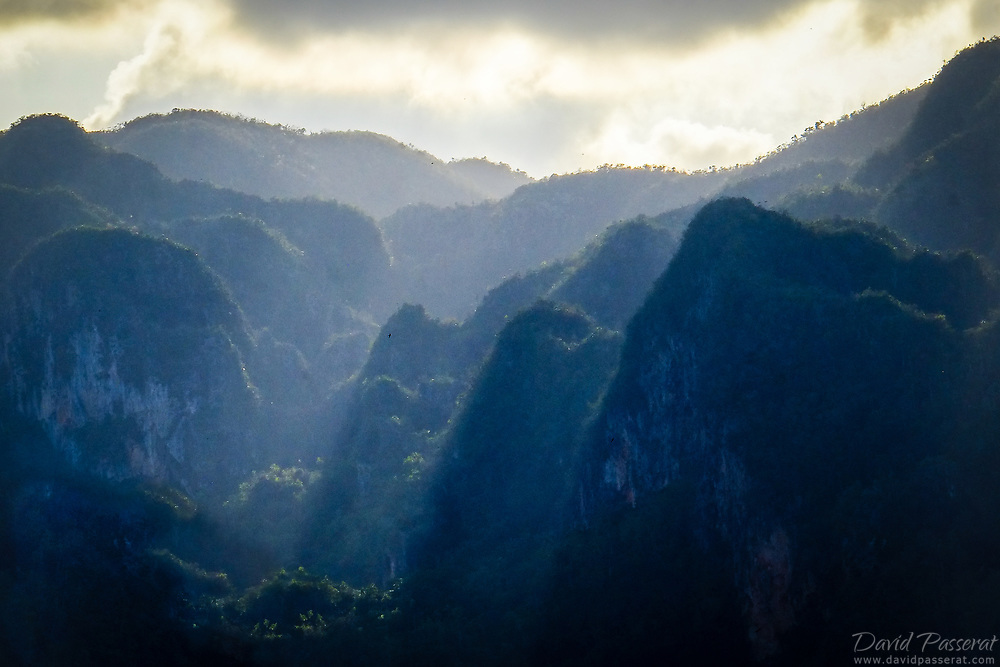 Mountain and abrupt cliff scenery in Viñales.