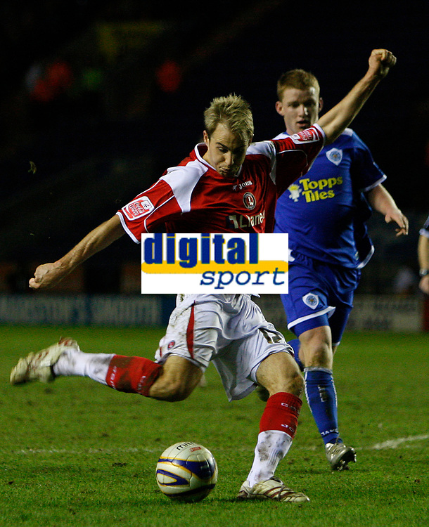Photo: Steve Bond/Sportsbeat Images.<br /> Leicester City v Charlton Athletic. Coca Cola Championship. 29/12/2007. Luke Varney lines up a shot