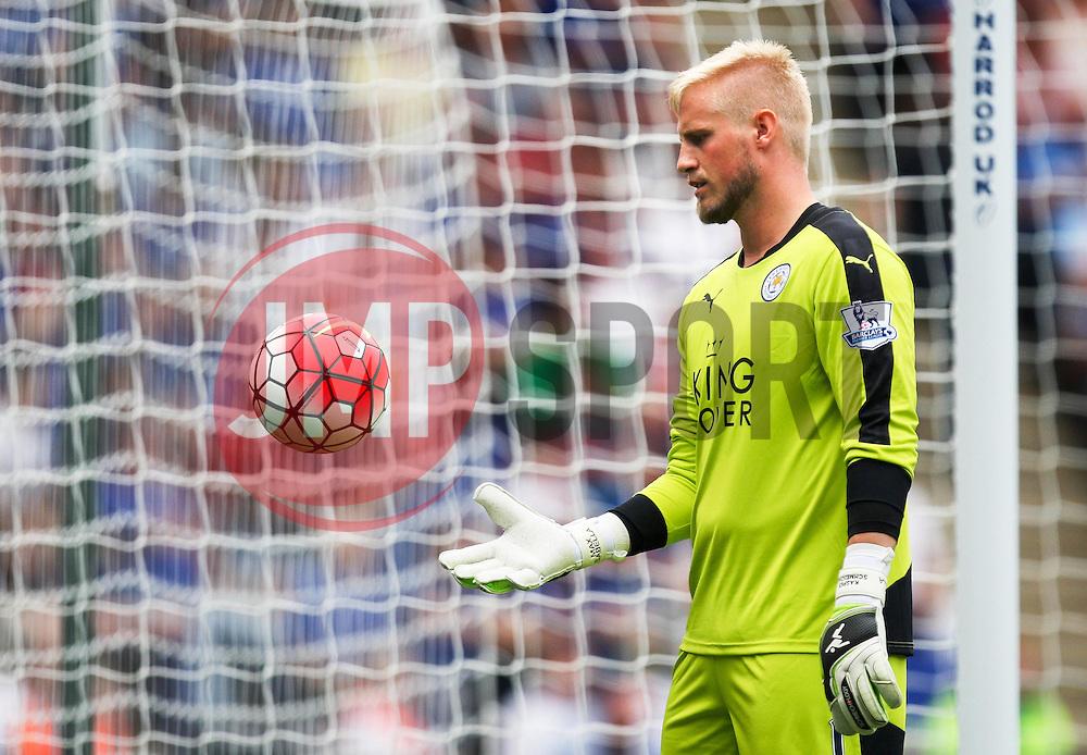 Kasper Schmeichel of Leicester City  - Mandatory byline: Jack Phillips/JMP - 07966386802 - 08/08/2015 - SPORT - FOOTBALL - Leicester - King Power Stadium - Leicester City v Sunderland - Barclays Premier League