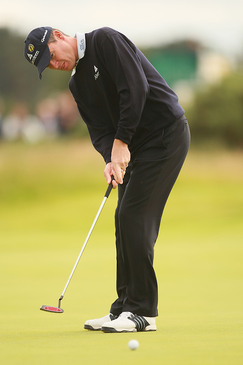 CARNOUSTIE, SCOTLAND - JULY 20: Paul Lawrie putts during the second round of the 136th Open Championship in Carnoustie, Scotland at Carnoustie Golf Links on Friday, July 20, 2007. (Photo by Darren Carroll/Getty Images) *** LOCAL CAPTION *** Paul Lawrie