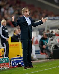 25-10-2013 VOETBAL: VFB STUTTGART - FC NURNBERG: STUTTGART<br /> Trainer Gertjan Berbeek<br /> ***NETHERLANDS ONLY***<br /> ©2013-FotoHoogendoorn.nl