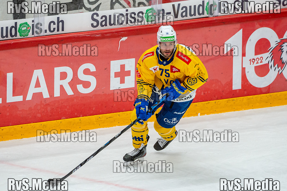 LAUSANNE, SWITZERLAND - SEPTEMBER 24: Lukas Stoop #75 of HC Davos in action during the Swiss National League game between Lausanne HC and HC Davos at Vaudoise Arena on September 24, 2021 in Lausanne, Switzerland. (Photo by Robert Hradil/RvS.Media)