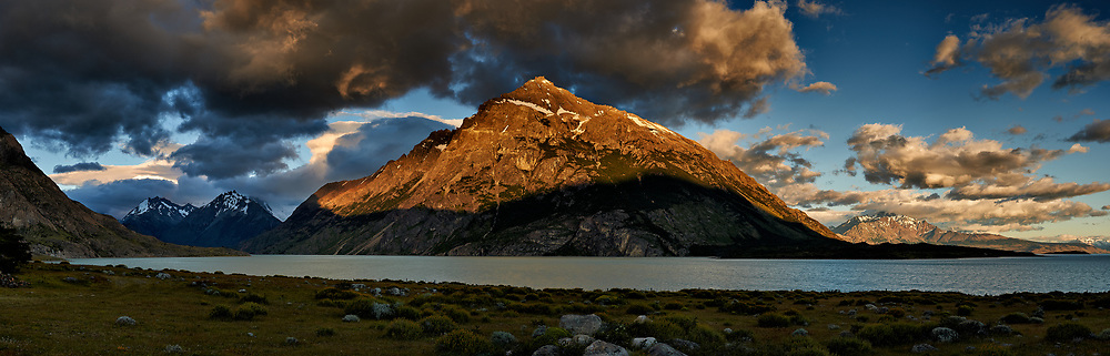 Sunrise Panorama across Lago Viedma from Estancia Helsingfors. Composite of 7 images taken with a Nikon D3x and 50 mm f/1.4G lens.