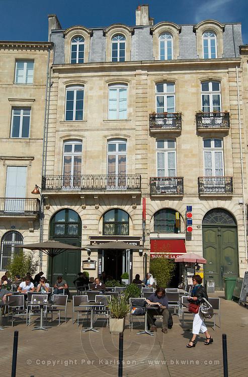 quai des chartrons restaurant terrace bordeaux france