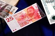 Perspreview 50 jaar Koninklijk Paleis Amsterdam.<br /> <br /> Op de foto: 25  Gulden