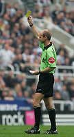 Photo: Andrew Unwin.<br /> Newcastle United v Chelsea. The Barclays Premiership. 07/05/2006.<br /> The referee, Mike Riley.