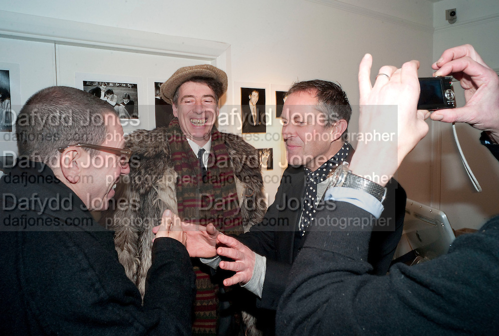 JONATHAN NEWHOUSE; GAZ MAYALL; NICK ASHLEY, The Way We Wore.- Photographs of parties in the 70's by Nick Ashley. Sladmore Contemporary. Bruton Place. London. 13 January 2010. *** Local Caption *** -DO NOT ARCHIVE-© Copyright Photograph by Dafydd Jones. 248 Clapham Rd. London SW9 0PZ. Tel 0207 820 0771. www.dafjones.com.<br /> JONATHAN NEWHOUSE; GAZ MAYALL; NICK ASHLEY, The Way We Wore.- Photographs of parties in the 70's by Nick Ashley. Sladmore Contemporary. Bruton Place. London. 13 January 2010.