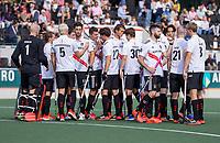 AMSTELVEEN -   teamhuddle Amsterdam  de hockey hoofdklasse competitiewedstrijd  heren, Amsterdam-HC Tilburg (3-0).  COPYRIGHT KOEN SUYK
