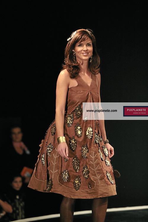 Caroline Barclay - (mention obligatoire :) Salon du Chocolat - Maquillage / Coiffure Lucie Saint-Clair - Paris, le 18/10/2007 - JSB / PixPlanete
