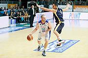 DESCRIZIONE : Cantu Lega A 2013-14 Acqua Vitasnella Cantu Sutor Montegranaro<br /> GIOCATORE : Maarten Leunen<br /> CATEGORIA : Palleggio<br /> SQUADRA : Acqua Vitasnella Cantu<br /> EVENTO : Campionato Lega A 2013-2014<br /> GARA : Acqua Vitasnella Cantu Sutor Montegranaro<br /> DATA : 29/12/2013<br /> SPORT : Pallacanestro <br /> AUTORE : Agenzia Ciamillo-Castoria/G.Cottini<br /> Galleria : Lega Basket A 2013-2014  <br /> Fotonotizia : Cantu Lega A 2013-14 Acqua Vitasnella Cantu Sutor Montegranaro<br /> Predefinita :