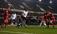 Fotball<br /> Foto: BPI/Digitalsport<br /> NORWAY ONLY<br /> <br /> 01/12/2004 Tottenham v Liverpool, Carling Cup Quarter Final, White Hart Lane<br /> <br /> Jerzy Dudek pounces on a loose ball after a goalmouth scramble