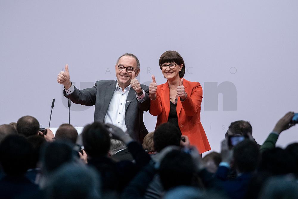 06 DEC 2019, BERLIN/GERMANY:<br /> Norbert Walter-Borjans (R), SPD Parteivorsitzender, und Saskia Esken (L), MdB, SPD Parteivorsitzende, nach ihrer Wahl zu Parteivorsitzenden, SPD Bundesprateitag, CityCube<br /> IMAGE: 20191206-01-073<br /> KEYYWORDS: Party Congress, Parteitag, klatschen, applaudieren, Applaus