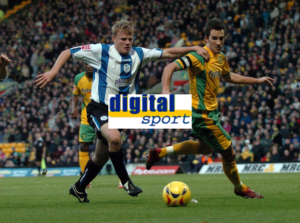 Photo: Ashley Pickering.<br />Norwich City v Sheffield Wednesday. Coca Cola Championship. 09/12/2006.<br />Sheffield's Frank Simek (L) and Norwich's Adam Drury