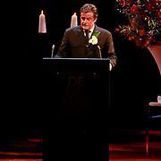 NLD/Amsterdam/20110722 - Afscheidsdienst voor John Kraaijkamp, toespraak van Johnny Kraaijkamp Jr.