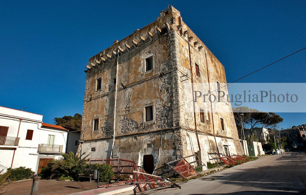 Rodi Garganico, aprile 2013<br /> <br /> Ex Fortezza Militare di proprietà della Guardia di Finanza, attualmente in disuso