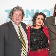 NLD/Amsterdam/20161005 - Filmpremiere Tonio, A.F.Th. van der Heijden en partner Mirjam Rotenstreich en Chris Peters