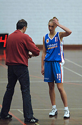 20-04-2005 BASKETBAL: LEVI - PERIK JUMPERS: AMSTERDAM<br /> Levi Amsterdam, wint de eerste playoff wedstrijd met 85-65 / Jasmijn Overbeeke<br /> ©2005-WWW.FOTOHOOGENDOORN.NL