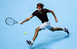2017?11?14?.    ?????7???——ATP???????????????·????.       11?14??????·?????????.       ???????????ATP???????????????????????????2?1??????????·?????.       ???????????????.(SP) BRITAIN-LONDON-TENNIS-ATP FINALS-FEDERER VS ZVEREV.(171114) -- LONDON, Nov. 14, 2017  Alexander Zverev of Germany competes during the singles round-robin match against Roger Federer of Switzerland during the Nitto ATP World Tour Finals at O2 Arena in London, Britain on Nov. 14, 2017. Roger Federer won 2-1. (Credit Image: © Tang Shi/Xinhua via ZUMA Wire)