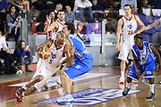 DESCRIZIONE : Roma Lega serie A 2013/14 Acea Virtus Roma Banco Di Sardegna Sassari<br /> GIOCATORE : Phill Goss <br /> CATEGORIA : palleggio controcampo<br /> SQUADRA : Acea Virtus Roma<br /> EVENTO : Campionato Lega Serie A 2013-2014<br /> GARA : Acea Virtus Roma Banco Di Sardegna Sassari<br /> DATA : 22/12/2013<br /> SPORT : Pallacanestro<br /> AUTORE : Agenzia Ciamillo-Castoria/ManoloGreco<br /> Galleria : Lega Seria A 2013-2014<br /> Fotonotizia : Roma Lega serie A 2013/14 Acea Virtus Roma Banco Di Sardegna Sassari<br /> Predefinita :