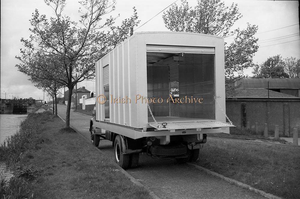 18/05/1966<br /> 05/18/1966<br /> 18 May 1966<br /> Austin Trucks special.