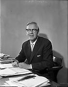 18/11/1961<br /> 11/18/1961<br /> 18 November 1961<br /> Mr Arthur Rae Public Relations Officer of Irish Shell.