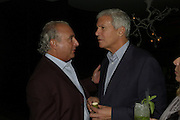 SIR PHILIP GREEN AND LARRY GAGOSIAN, Party hosted by Larry Gagosian at Nobu, Berkeley St. London. 9 October 2007. -DO NOT ARCHIVE-© Copyright Photograph by Dafydd Jones. 248 Clapham Rd. London SW9 0PZ. Tel 0207 820 0771. www.dafjones.com.