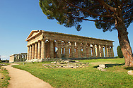 The ancient Doric Greek Temple of Hera of Paestum  built in about 460-450 BC. Paestum archaeological site, Italy. .<br /> <br /> If you prefer to buy from our ALAMY PHOTO LIBRARY  Collection visit : https://www.alamy.com/portfolio/paul-williams-funkystock/paestum-greek-temples.html<br /> Visit our CLASSICAL WORLD HISTORIC SITES PHOTO COLLECTIONS for more photos to buy as buy as wall art prints https://funkystock.photoshelter.com/gallery-collection/Classical-Era-Historic-Sites-Archaeological-Sites-Pictures-Images/C0000g4bSGiDL9rw