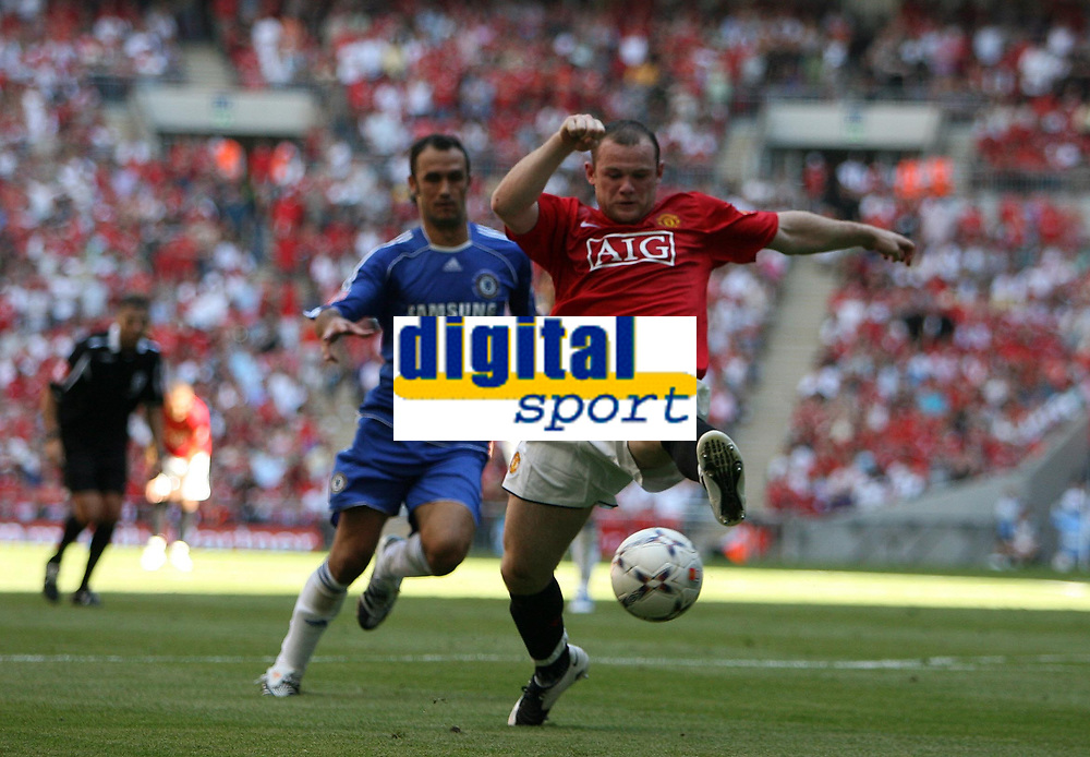 Photo: Rich Eaton.<br /> <br /> Manchester United v Chelsea. FA Community Shield. 05/08/2007. Man United's Wayne Rooney stretches for the ball in attack.