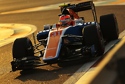Rennen des Grand Prix von Abu Dhabi auf dem Yas Marina Circuit / 271116<br /> <br /> ***Abu Dhabi Formula One Grand Prix on November 27th, 2016 in Abu Dhabi, United Arab Emirates - Racing Day *** <br /> <br /> Esteban Ocon (FRA) Manor Racing <br /> 27.11.2016. Formula 1 World Championship, Rd 21, Abu Dhabi Grand Prix, Yas Marina Circuit, Abu Dhabi, Race Day.