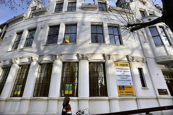 Nederland, Nijmegen, 30-12-2011Kantoorgebouw wordt te huur aangeboden als kantoorruimte of horeca.Foto: Flip Franssen/Hollandse Hoogte