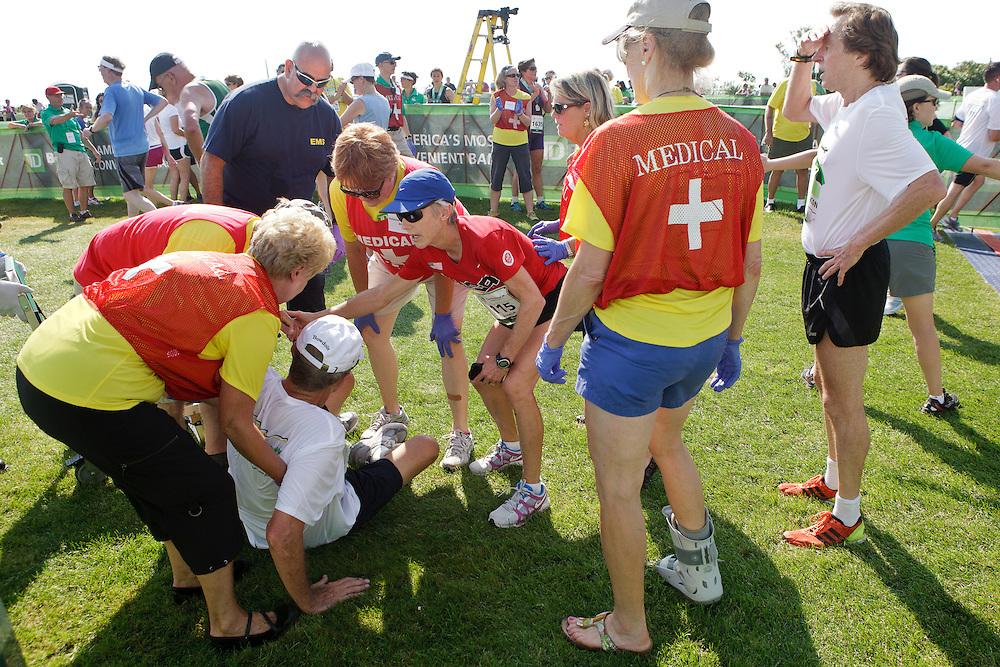Joan Samuelson, Beach to Beacon 10K race founder , Joan Benoit Samuelson , Bill Rodgers , medical team responds to exhausted runner