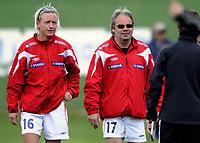 Fotball<br /> 26.02.10<br /> La Manga<br /> Womans U23 National Tournament<br /> Norge - Tyskland 0 - 0<br /> Keeper trener Reidun Seth (L) og trener Jarl Torsk (M) , Norge<br /> Maren Meinert (R) , trener Tyskland<br /> Foto : Astrid M. Nordhaug