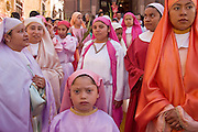 04 APRIL 2004 - SAN MIGUEL DE ALLENDE, GUANAJUATO, MEXICO: Followers of Jesus at the Palm Sunday procession for Iglesia San Francisco, a Catholic church in San Miguel de Allende, Mexico, April 4. Palm Sunday is the reenactment of Christ's entry in Jerusalem and marks the first day of Holy Week. Holy Week is celebrated throughout central Mexico with Processions and special masses.  PHOTO BY JACK KURTZ