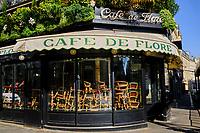France, Paris (75), Café de Flore, Boulevard Saint Germain, durant le confinement du Covid 19 // France, Paris, Café de Flore in Boulevard Saint Germain during the containment of Covid 19
