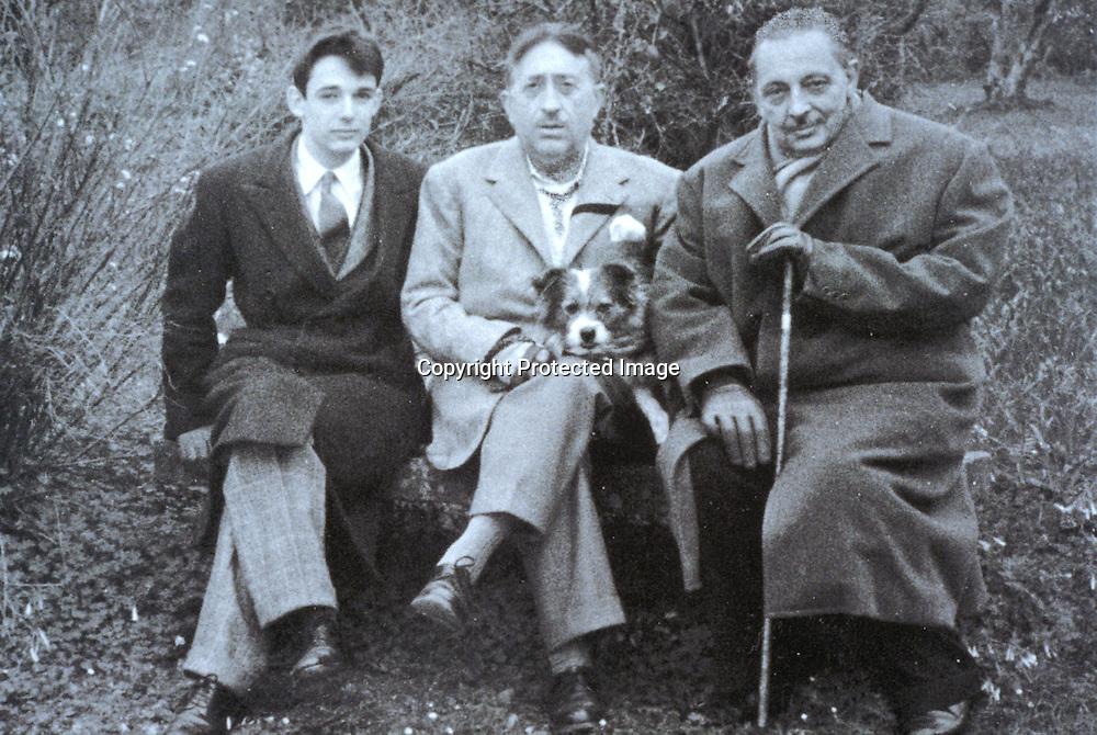 Gioacchino Lanza Tomasi (a sinistra), Lucio Piccolo (al centro), Giuseppe Tomasi di Lampedusa (a destra )<br />archivio effigie