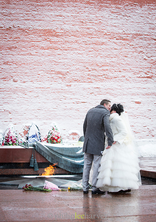 Newly Wed couple at the Tomb of the Unknown Soldier, Moscow, Russia