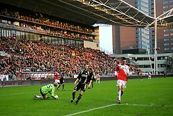 08-11-2009 VOETBAL: FC UTRECHT - HEERENVEEN: UTRECHT<br /> Utrecht verliest met 3-2 van Heerenveen / Een redelijk gevuld Nieuw Galgenwaard publiek Ricky van Wolfswinkel<br /> ©2009-WWW.FOTOHOOGENDOORN.NL