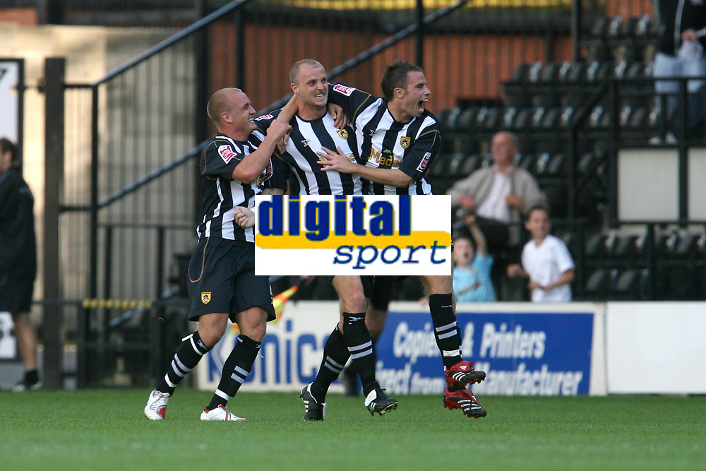 Photo: Pete Lorence.<br />Notts County v Swindon Town. Coca Cola League 2. 23/09/2006.<br />Alan White celebrates scoring the equalising goal.